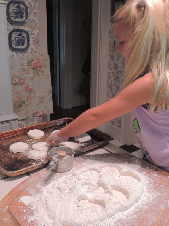 stella biscuit making