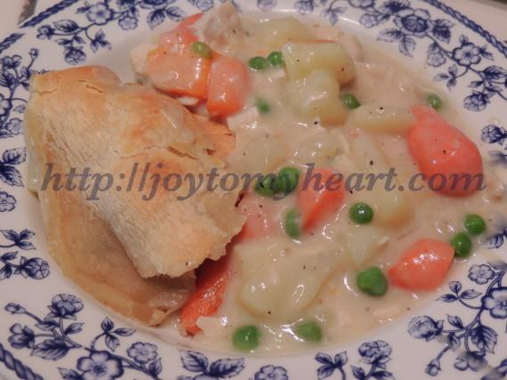 chicken pot pie served