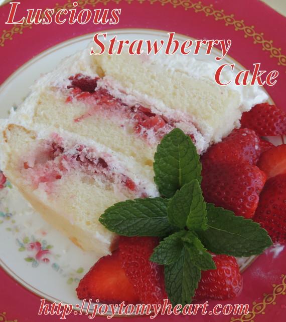 strawbery cake slice