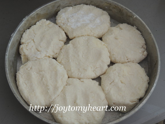 sweet biscuits pan