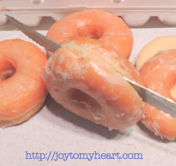 french toast doughnuts slicing