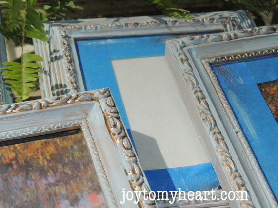 gallery-frames-blue