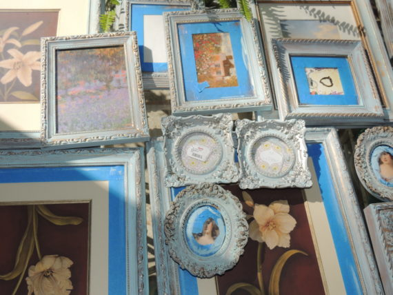 gallery-frames-painted-blue